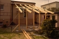 Architektura ogrodowa taras z zadaszeniem