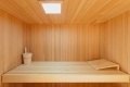 Sauna z szeroką ławą